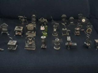24 sacapuntas antiguo de bronce