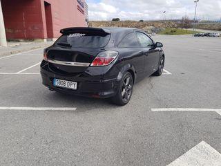Opel Astra GTC 2.0 turbo 200CV