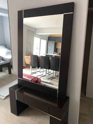 Entrada con espejo