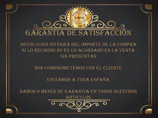 RECIBIDOR CON MÁRMOL Y 2 PUERTAS