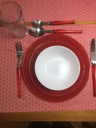 Venta de cubiertos y platos