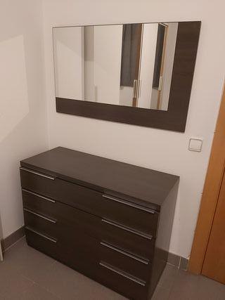 cómoda más espejo