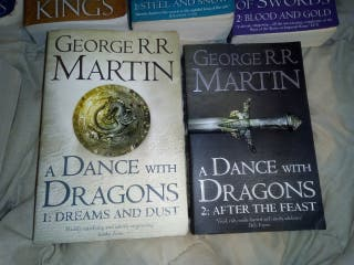 A dance with dragons - George R R Martin