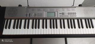 Teclado, órgano o piano Casio LK-120