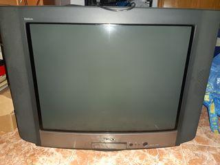 vendo este televisor en perfecto funcionamiento