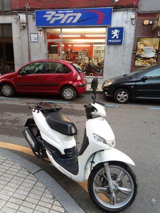 Peugeot tweet 125 Reparto