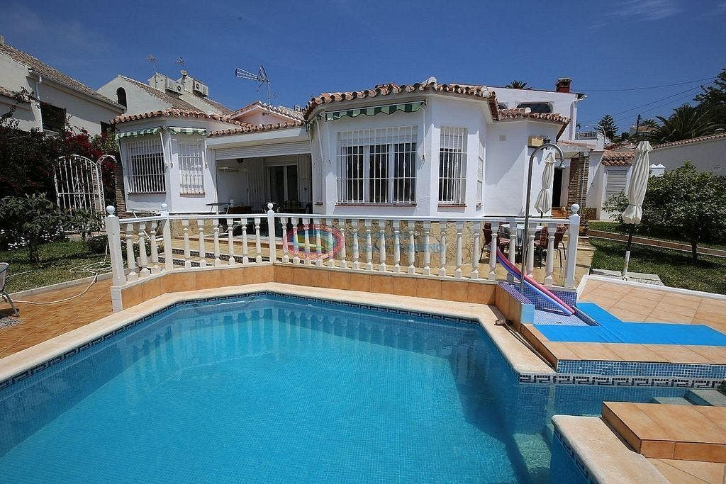 Villa en venta en Caleta de Vélez en Vélez-Málaga (Caleta de Vélez, Málaga)