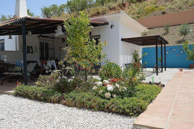 Villa en venta en Colmenar (Colmenar, Málaga)