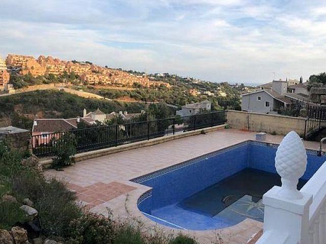 Villa en alquiler en Elviria en Marbella (Marbella, Málaga)