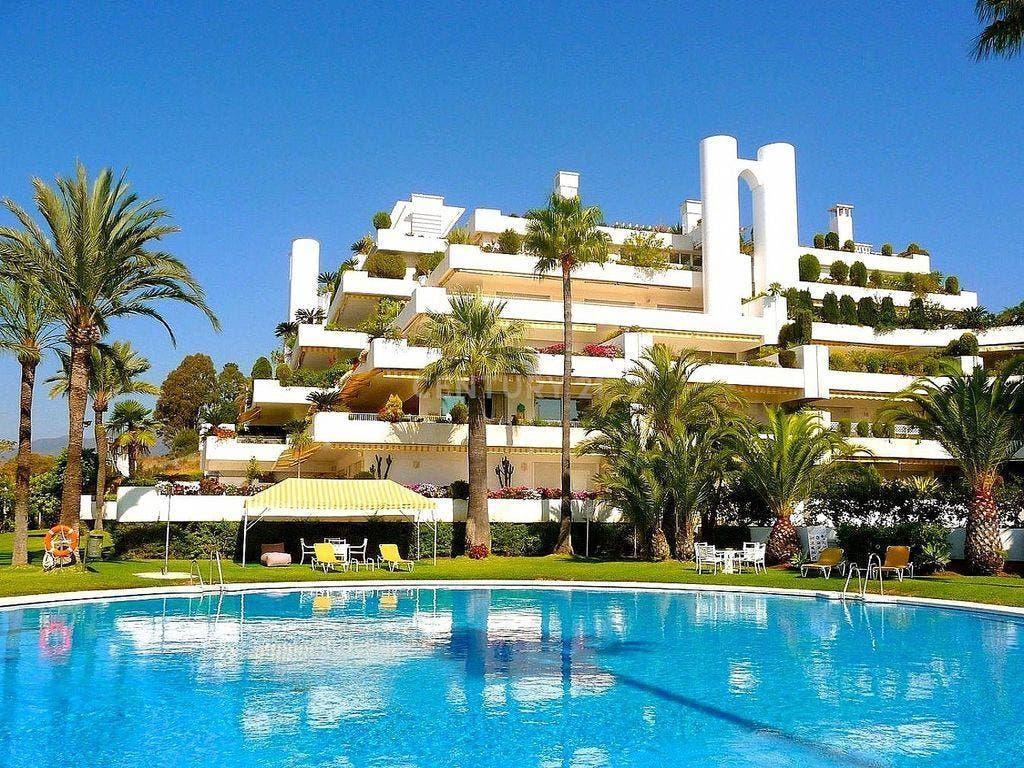 Apartamento en alquiler en Lomas de Marbella Club - Puente Romano en Marbella (Marbella, Málaga)