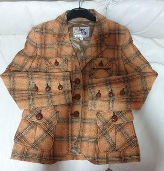 Americana lana marca Caramelo talla 40