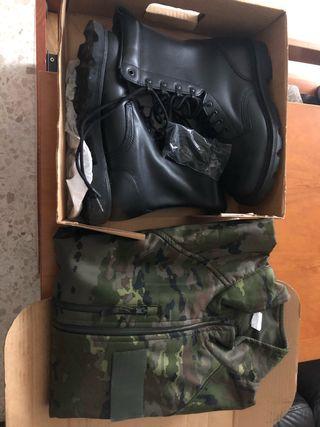 Forro polar y botas militares