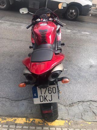 Yamaha yzf R1