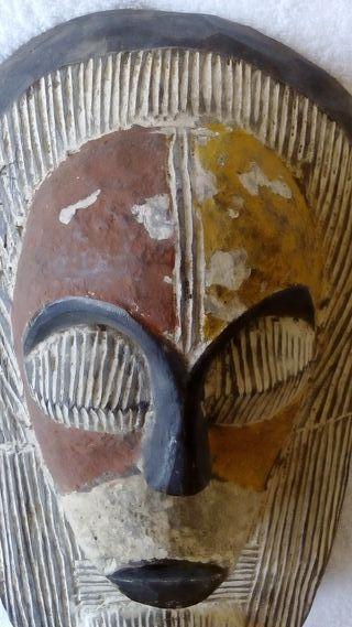 MÁSCARA AFRICANA R. D. CONGO SONGYE.