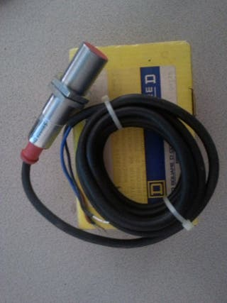 Detector inductivo M16 NPN SquareD