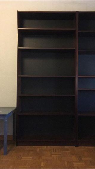 Librería marrón oscuro IKEA (hay 3)