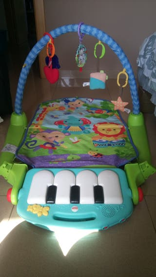 Alfombra juegos piano fisher price