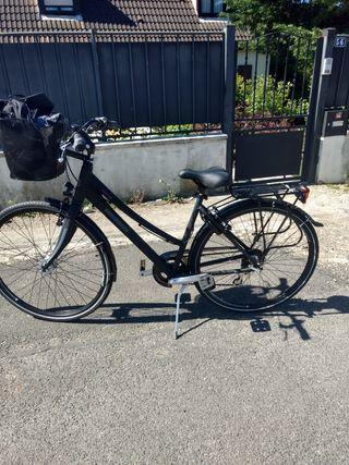 vend vélo femme
