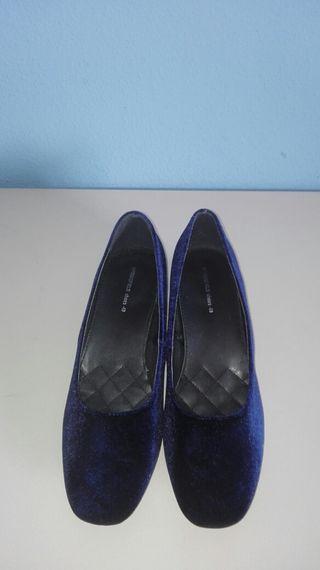Zapatos terciopelo azul.SPF