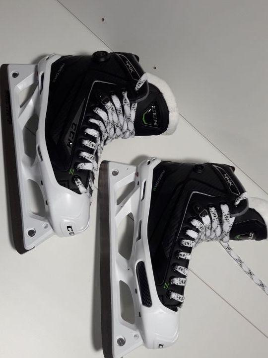 hockey patines PORTERO hielo CCM NUEVOS