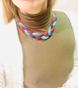 Collar trenzado multicolor