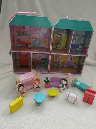 Casa de muñecas maleta