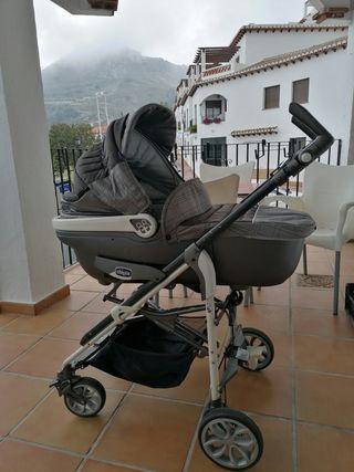 coche para bebé 3 en 1 marca Chicco Gris