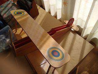 Maqueta de madera avion