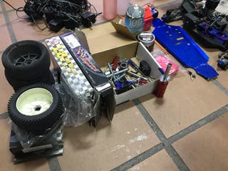 Buggy 1:8 RC Kyosho inferno 7.5 + muchos extras