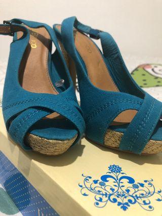 Zapatos tela azul aguamarina tacon
