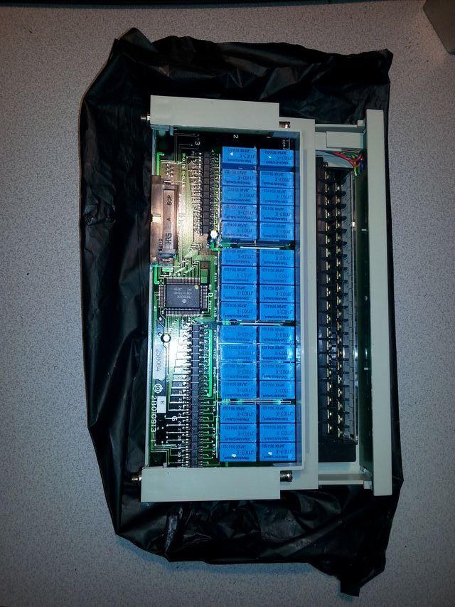 Targeta sortides rele PLC H500 Hitachi