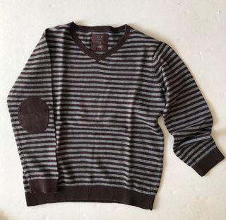 Suéter pico niño talla 8