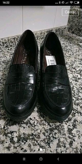 Zapatos de piel Pitillos