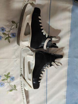 patines sobre hielo hockey CCM pro 100