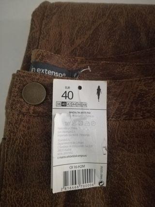 Pantalón de checa talla 40