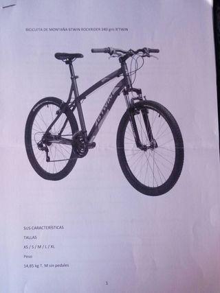 Bicicleta de montaña con accesorios