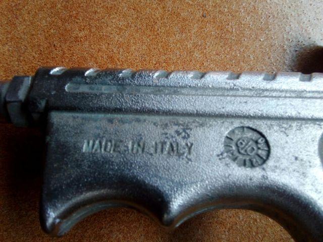 Pistola pintar italiana,garrafa gasolina,escuadra