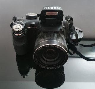 Cámara FUJIFILM FINEPIX S3000