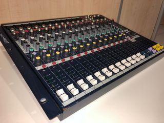 Mesa de mezclas SOUNDCRAFT FX 12