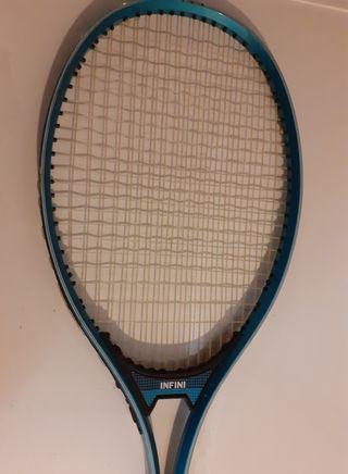 Raqueta de tenis Infini. Funda.