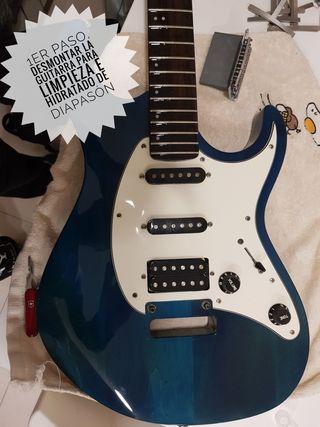 Guitarra CORT G210 tipo stratocaster