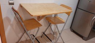Conjunto 2 taburetes altos, mesa plegable cocina.