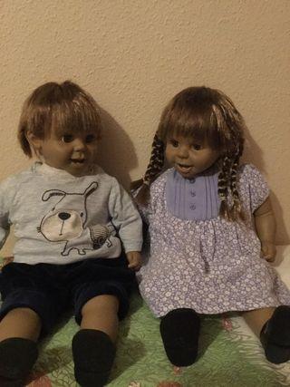 Pareja de muñecos hermanitos
