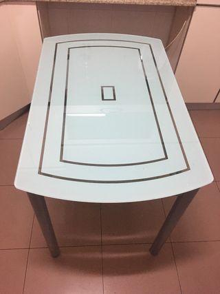 Mesa de cocina + 2 taburetes de regalo