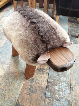 novelty sheep foot stools