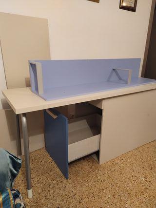 escritorio y estanteria / cabezal cama