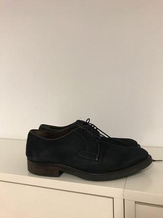 Zapato de vestir azul marino de ante