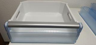 Cajón de congelador frigorífico Balay