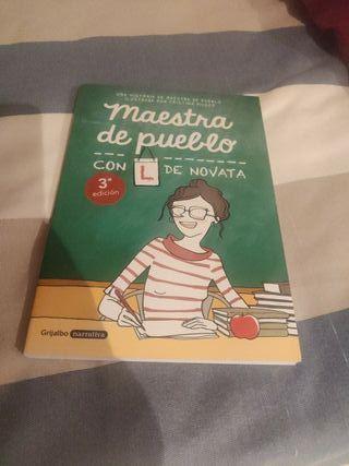 libro Maestra de pueblo