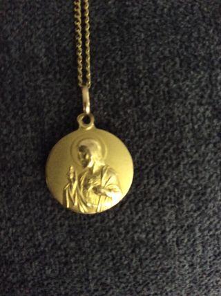Medalla escapulario y cadena de oro 6,3 gramos